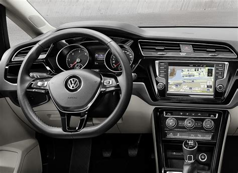 It's Official: All-New VW Touran Based On MQB Platform [w